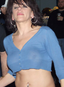 Horny Milf Shows Off Her Tits At Mardi Gras - Picture 12